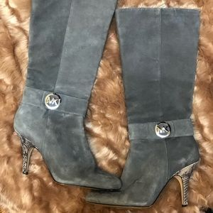 Beautiful Michael Kors Gray Suede Boots